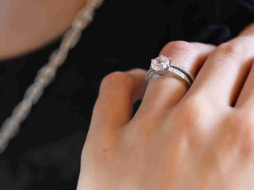 Read our Diamond Shape Guide and find out what shape will suit you best.